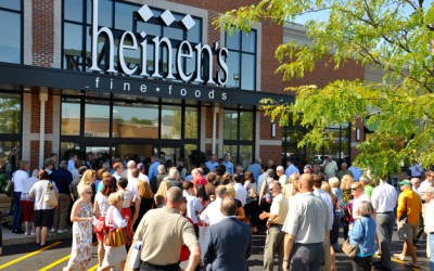 225. Barrington Shoppers Flock to Heinen's Opening Day