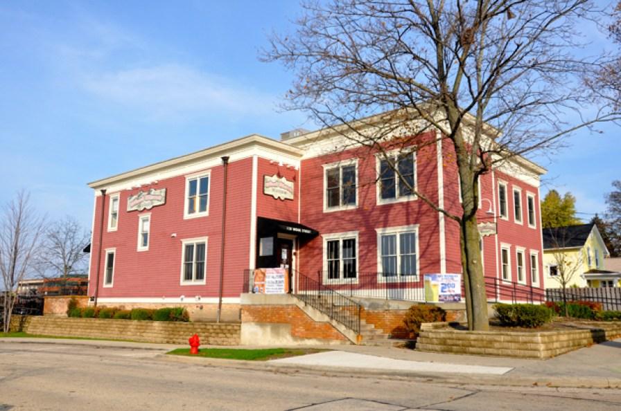 Wool Street Grill & Sports Bar - 128 Wool Street in Barrington, Illinois