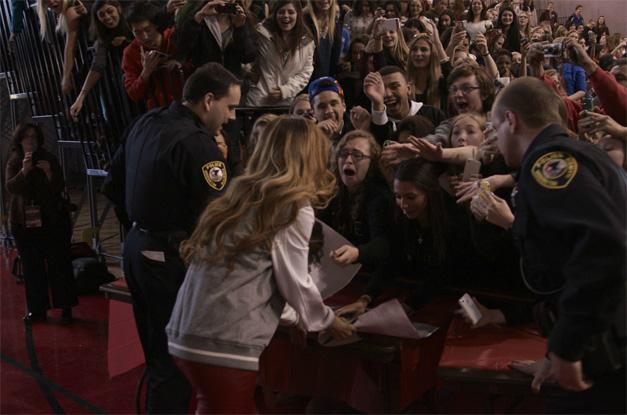 Fans Get Close to Rihanna - Photographed by BHS Senior, Matt Weidner of weidscreenphoto.com