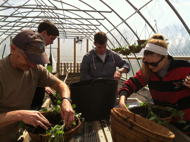 Smart Farm Volunteers