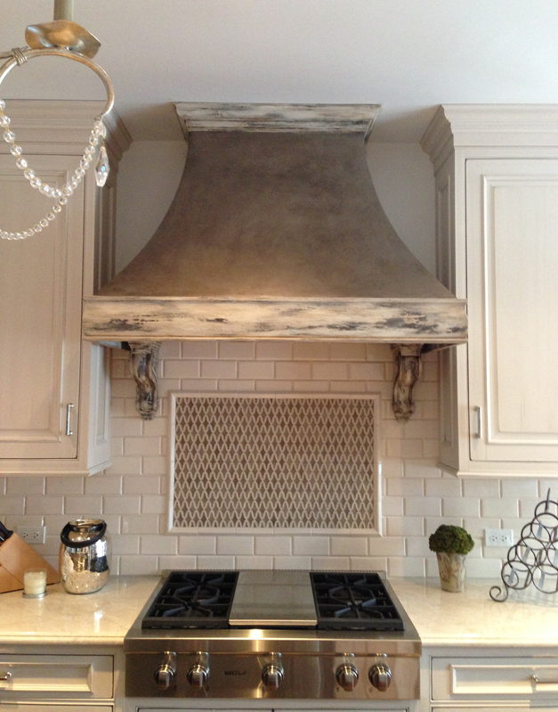 Bella Muri Painted Oven Hood - Photo Provided by Artist & Owner, Melissa Loutos