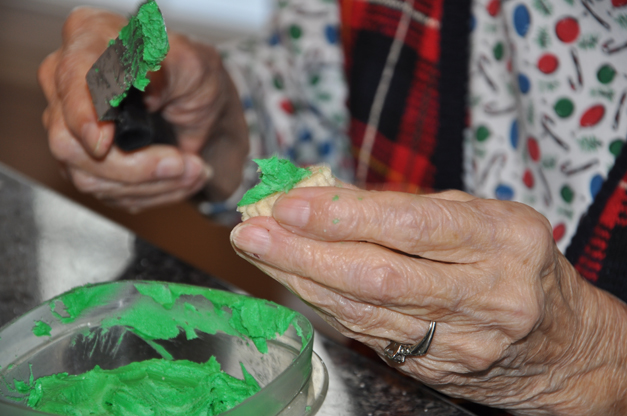 Lillian Riddell Frosts Cookies for the Community Church of Barrington Cookie Walk