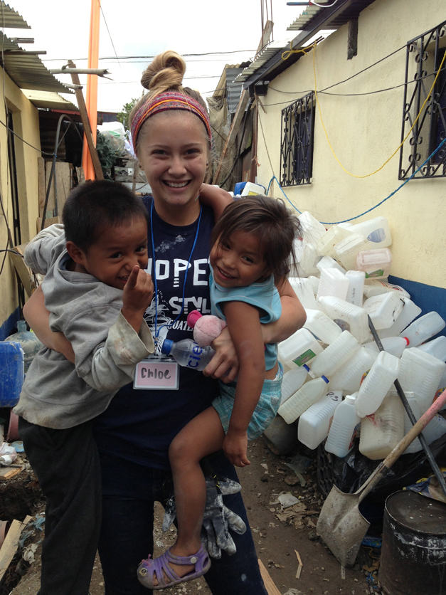 Barrington Student Volunteers Working with Potter's House in Guatemala - Courtesy of Courtney Quigley