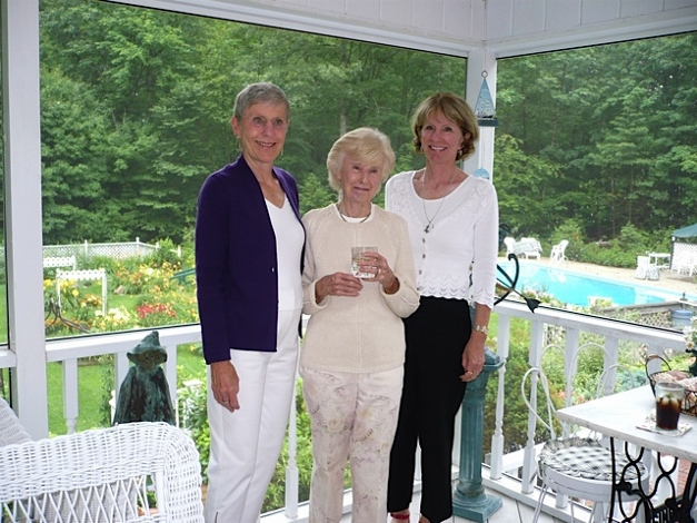Sandy Grigsby Rodgers, the late Peggy Grigsby Rodgers, and Chris Grigsby Murata in 2008 - Photograph courtesy of Sandy Grigsby Rodgers