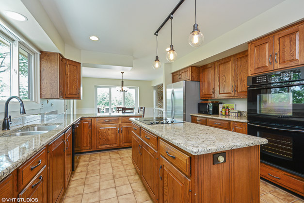 1400 Dunheath Drive - Kitchen
