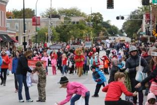 Barrington Homecoming Parade 2015 - Photo by Bob Lee