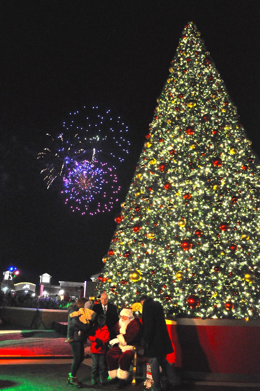 Post 900 - Deer Park Town Center Santa Arrival Tree Lighting 2015-38