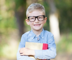 """Win a FREE iPad in Deer Park Town Center's """"First Day of Style"""" Back to School Photo Contest"""