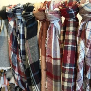 noondaily-luxe-wearhouse-plaid-scarves