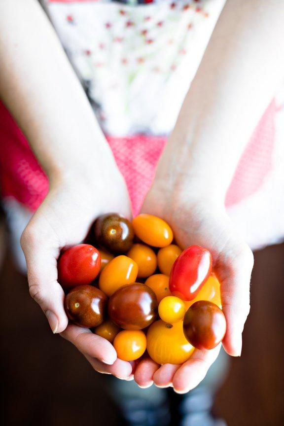 Holiday Brunch Fritatta and Pomegranate Crostini, IL_Modern Farmette_007