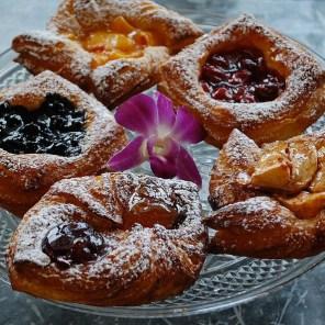 NoonDaily - Ambrosia - Fresh Fruit Croissant