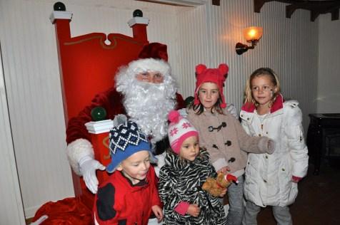post-1200-village-of-barrington-santa-2016-32