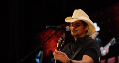 365 - Brad Paisley Performs Barrington High School Graduation - -8