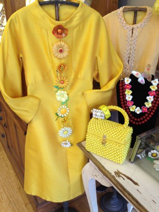Estate Jewelers - Buttons and Handbags