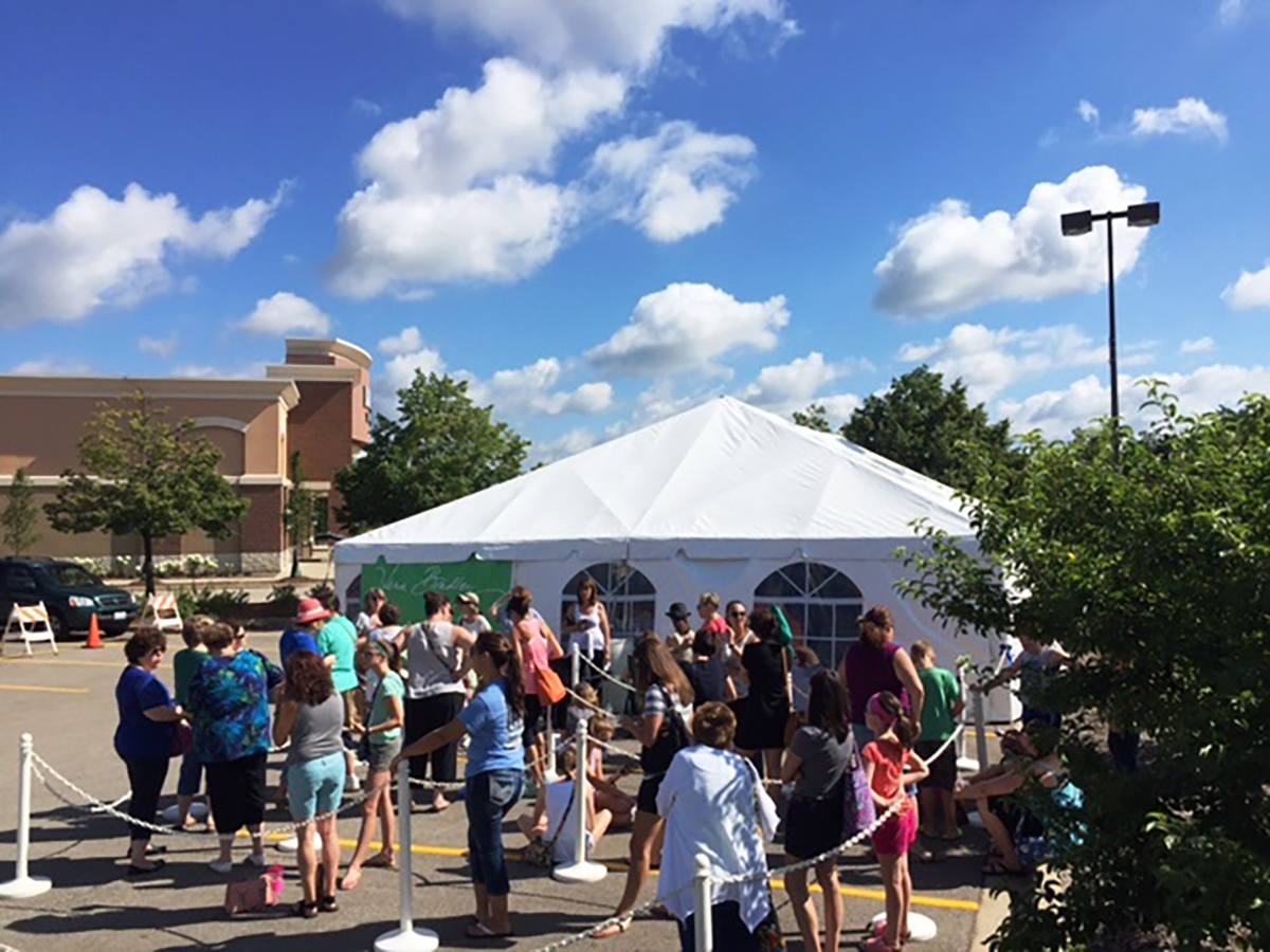 Summer Sidewalk Sale Coming To Deer Park Town Center