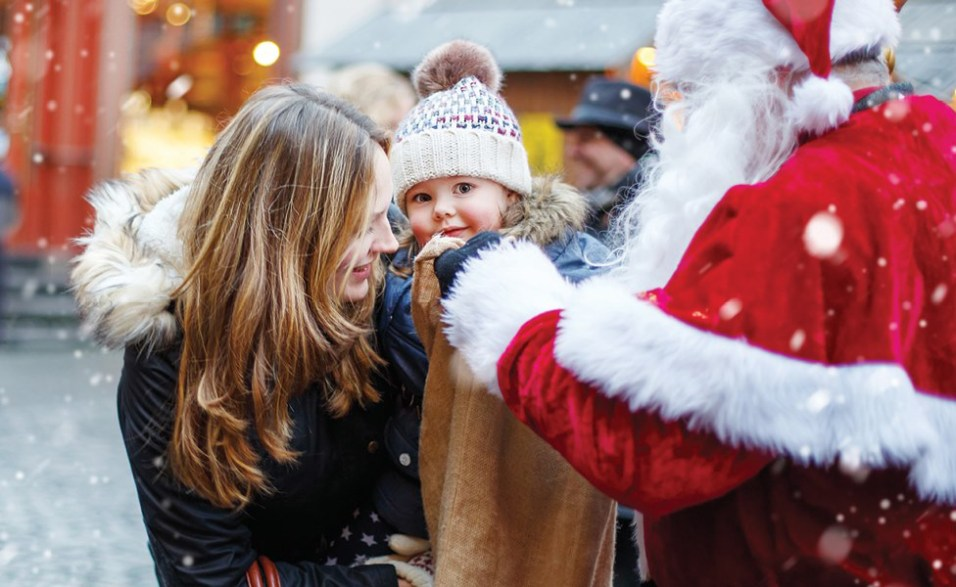 Featured - Deer Park Town Center Santa's Arrival and Fireworks