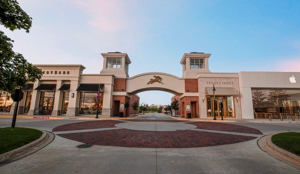 365 - Deer Park Town Center 2020