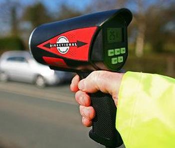 На дорогах Прикарпаття побільшало порушників, які перевищують швидкість (відео)