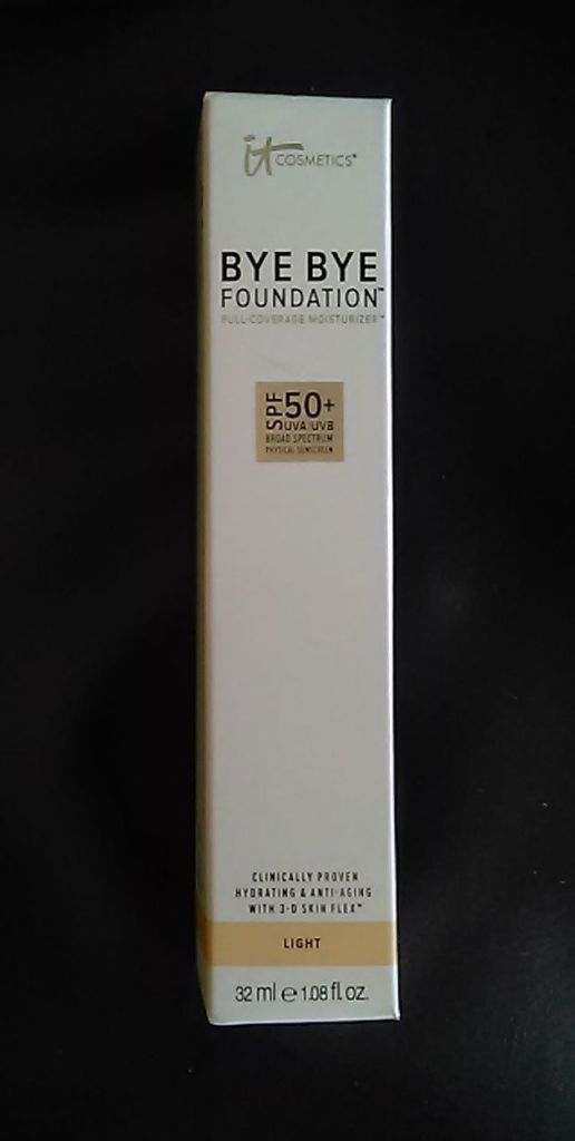 IT Cosmetics Bye Bye Foundation Full Coverage Moisturizer Box