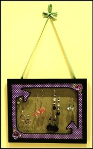 Earring-Frame-CindyCade-April1st-1