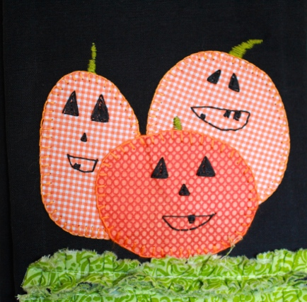 close-up-tea-towel-hand-applique-pumpkin