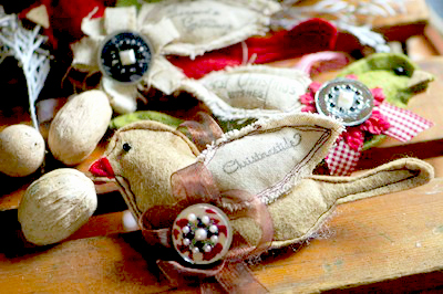 scrap-fabric-bird-ornaments-2