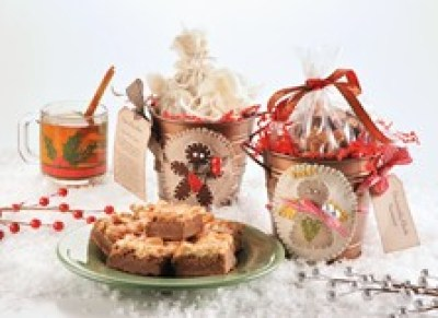 christmas gift pails DIY Christmas Gift Pales