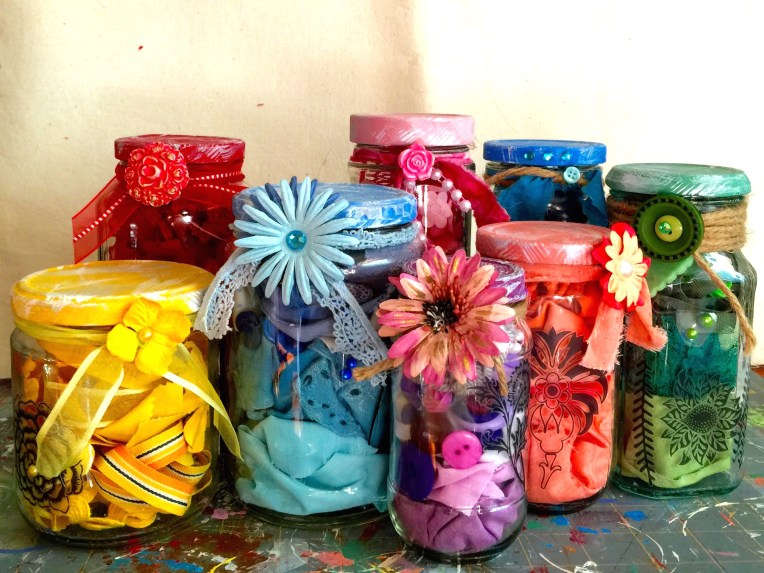 DIY craft kits in a jar you can make. Great stash buster