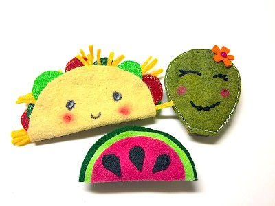 Felt projects that you can make in 15 minutes - a quick craft idea for kids and teens. Turn into magnets, pins or clip all using felt as a base. Felt Taco, felt watermelon, felt cactus