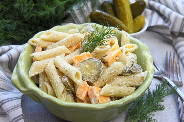 Dill pickle pasta salad makes for a super tasty BBQ side dish | 365 Days of Easy Recipes