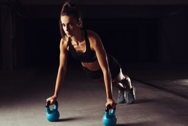 push up with kettlebell