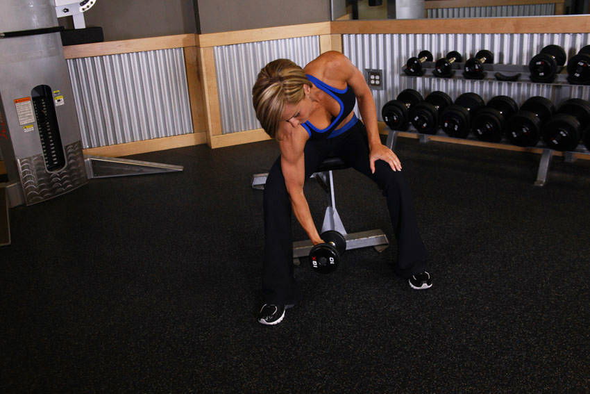 concentration-curls-with-dumbbells