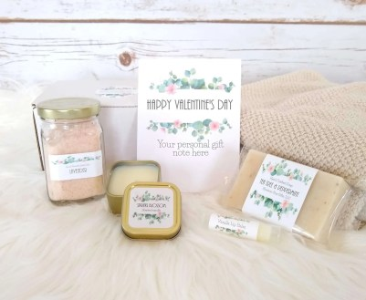 Valentine's Day Spa gift basket, best valentines day gifts for girlfriend