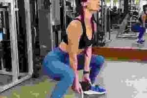 Χριστίνα Μπόμπα: Οι ασκήσεις που κάνει για γλουτούς και τετρακεφάλους