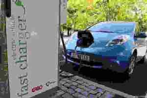 Φρενάρει η αυτοκινητοβιομηχανία τα ηλεκτροκίνητα; | Περιβάλλον & Επιστήμη | DW