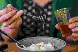 Μήπως το γιαούρτι παχαίνει (αυτό που προτιμάς) και δεν το γνωρίζεις; Τι λέει η διαιτολόγος;