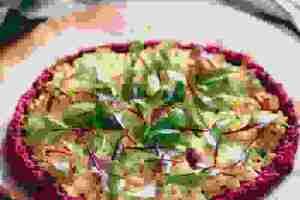 Πίτσα με βάση από παντζάρι για να ένα απόλυτα ελαφρύ γεύμα - Shape.gr