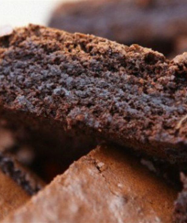 Πανεύκολα brownies με μόνο 3 υλικά
