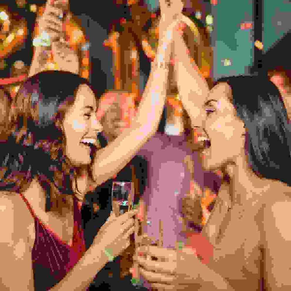 Πώς θα περάσεις ωραία σε ένα πάρτι και θα γνωρίσεις καινούριο κόσμο; - Shape.gr