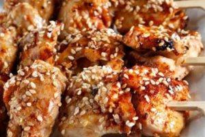 Σουσαμένια σουβλάκια κοτόπουλου
