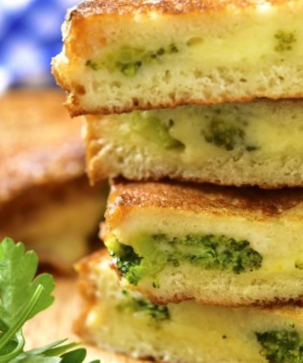 Αυγοφέτες με τυριά και μπρόκολο