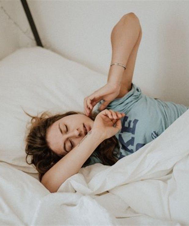 Η μέθοδος αναπνοής 4-6 που θα σε βοηθήσει να κοιμηθείς σαν πουλάκι