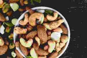 Τι να φάω αντί για ξηρούς καρπούς; 7 σπόροι που μπορείς να βάλεις στη διατροφή σου - Shape.gr