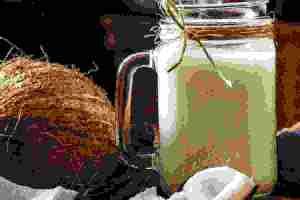 Γάλα καρύδας: Τα οφέλη και όλα τα θρεπτικά στοιχεία του φυτικού «γάλατος» - Shape.gr