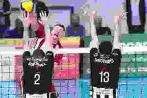 ΠΑΟΚ - Ολυμπιακός: Προσωρινή διακοπή για ένα πανό