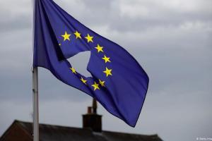 Ο κορωνοϊός «σκοτώνει» και την ΕΕ   DW   31.03.2020