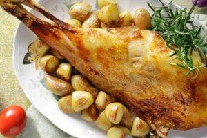 Αφιέρωμα: Γιορτινό τραπέζι με αρνί