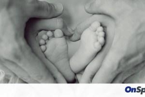 Γέννησε δίδυμα εν μέσω κορονοϊού - Δείτε τι ονόματα θα τους δώσουν! (photos)
