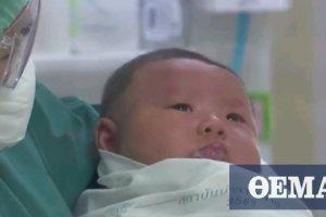 Κορωνοϊός: Μωρό ενός έτους «νίκησε» τον ιό στην Ταϊλάνδη