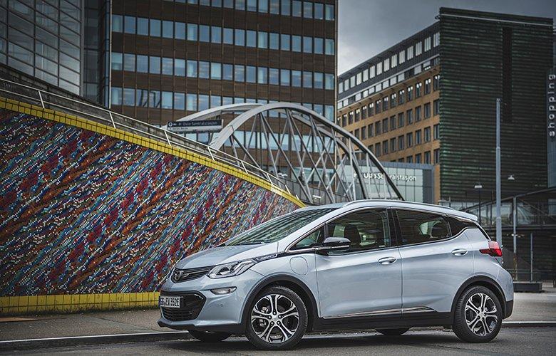 Opel: Πενήντα χρόνια έρευνας στα συστήματα ηλεκτροκίνησης